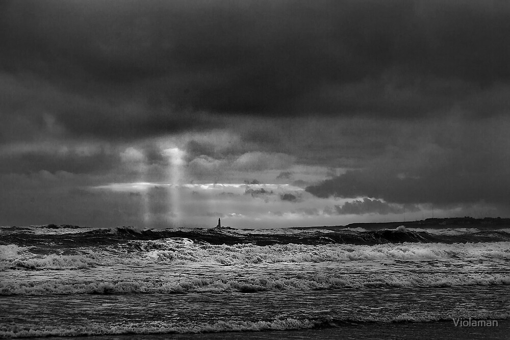 Stormy morning in black and white by Violaman
