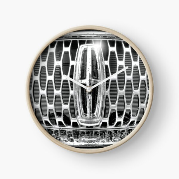 Lincoln Grille Clock