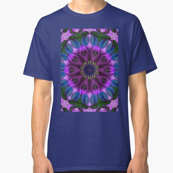 Purple mandala flower Classic T-Shirt