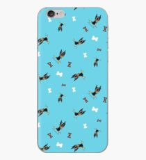 Min Pins, Bones and Bows Teal iPhone-Hülle & Cover