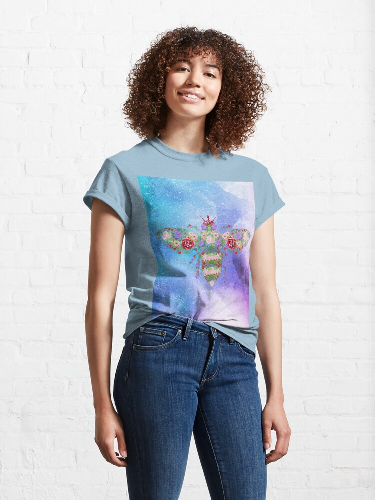 Alternate view of Distressed Watercolour Floral Bee Classic T-Shirt