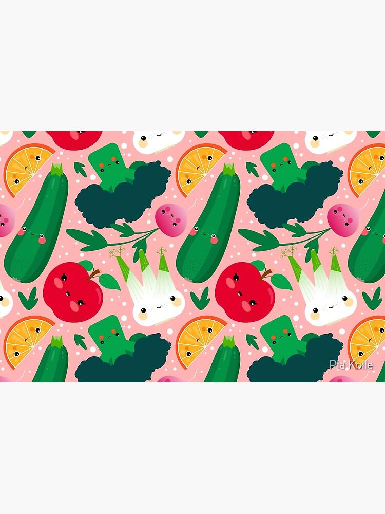 Kawaii Illustrationsmuster mit Gemüse und Früchten wie Zucchini, Apfel, Orange und Fenchel von Piakolle