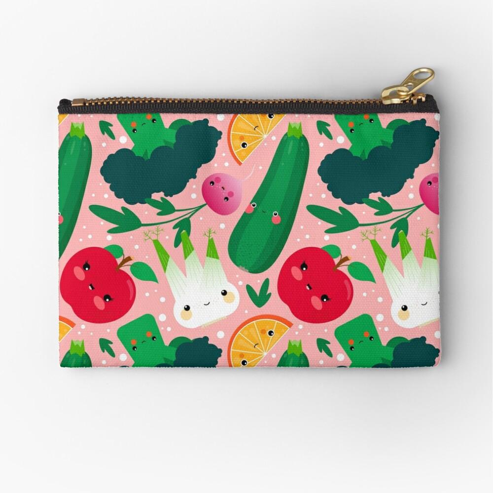 Kawaii Illustrationsmuster mit Gemüse und Früchten wie Zucchini, Apfel, Orange und Fenchel Täschchen