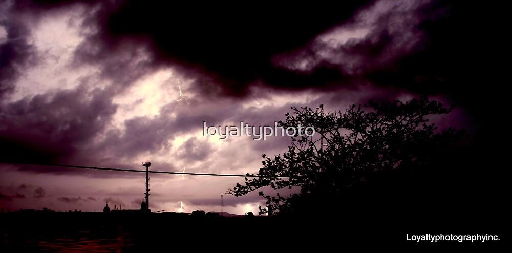 Superv Lightning  by loyaltyphoto