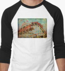 Riding The Famous Cyclone Roller Coaster Men's Baseball ¾ T-Shirt