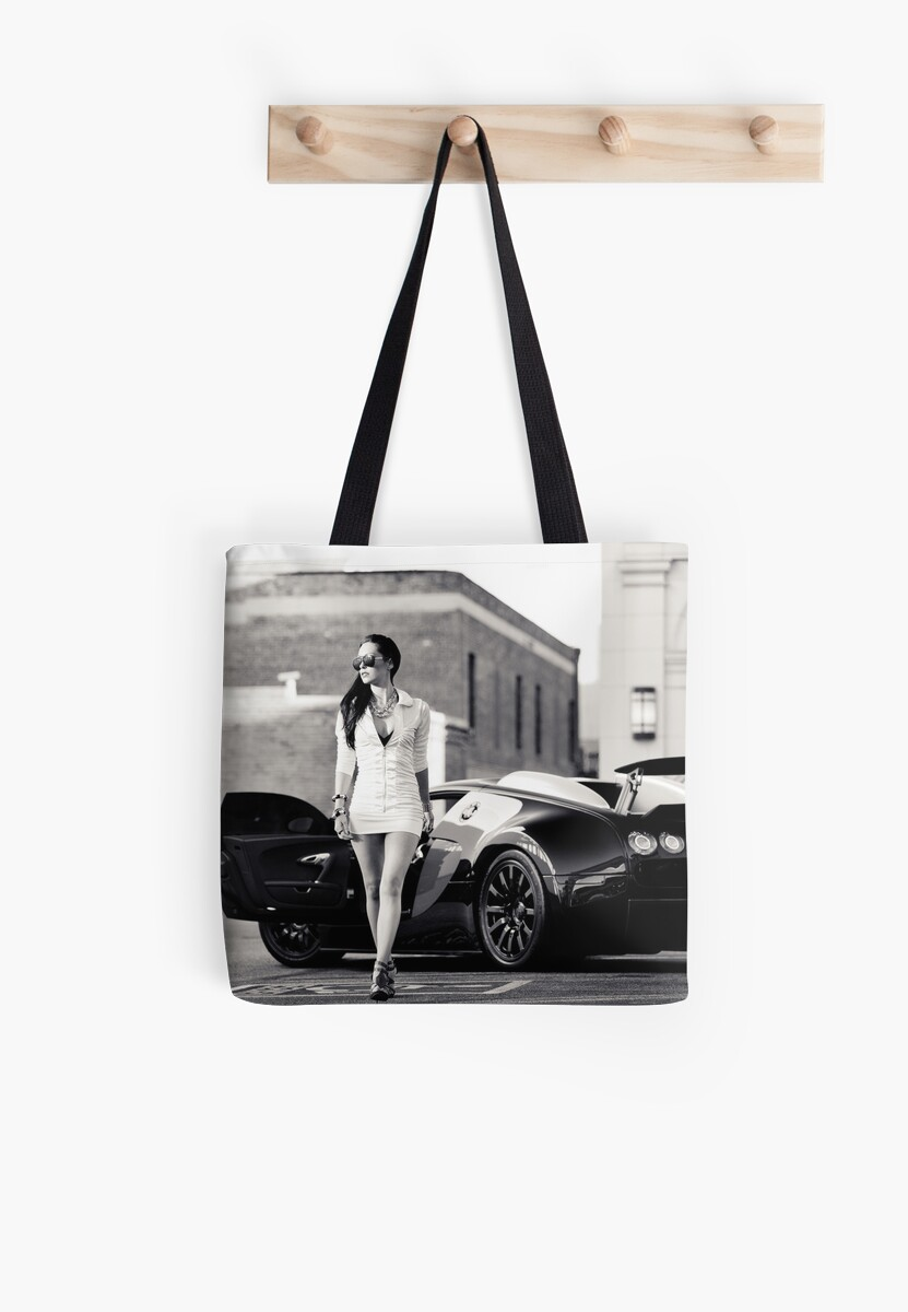 Corissa Fur - Bugatti Veyron by Mo Satarzadeh
