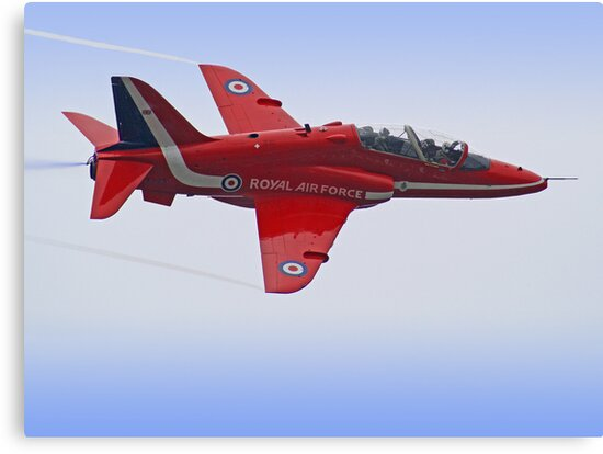 Red Arrows Singleton - Farnborough by Colin  Williams Photography
