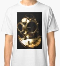 The diver Classic T-Shirt