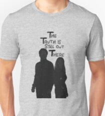 Die Wahrheit ist immer noch da draußen Slim Fit T-Shirt
