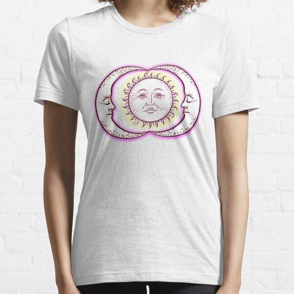Vintage Solar Eclipse Sun and Moon T-shirt Essential T-Shirt