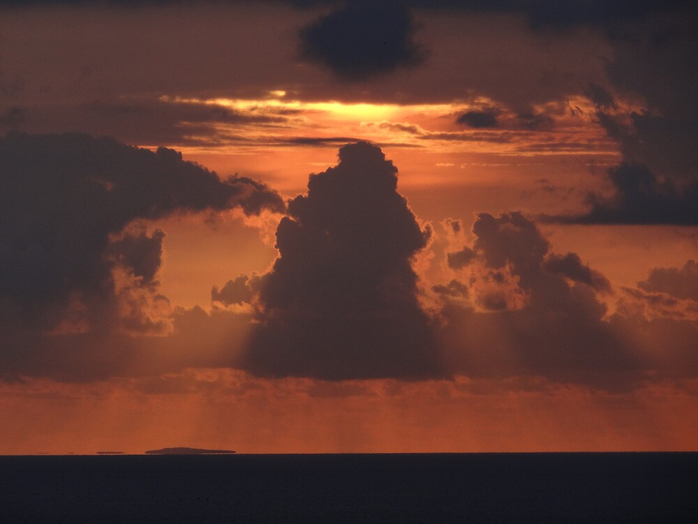 Dramatic Sunset Sequences I - Sequencias de una dramatica Puesta del Sol by PtoVallartaMex