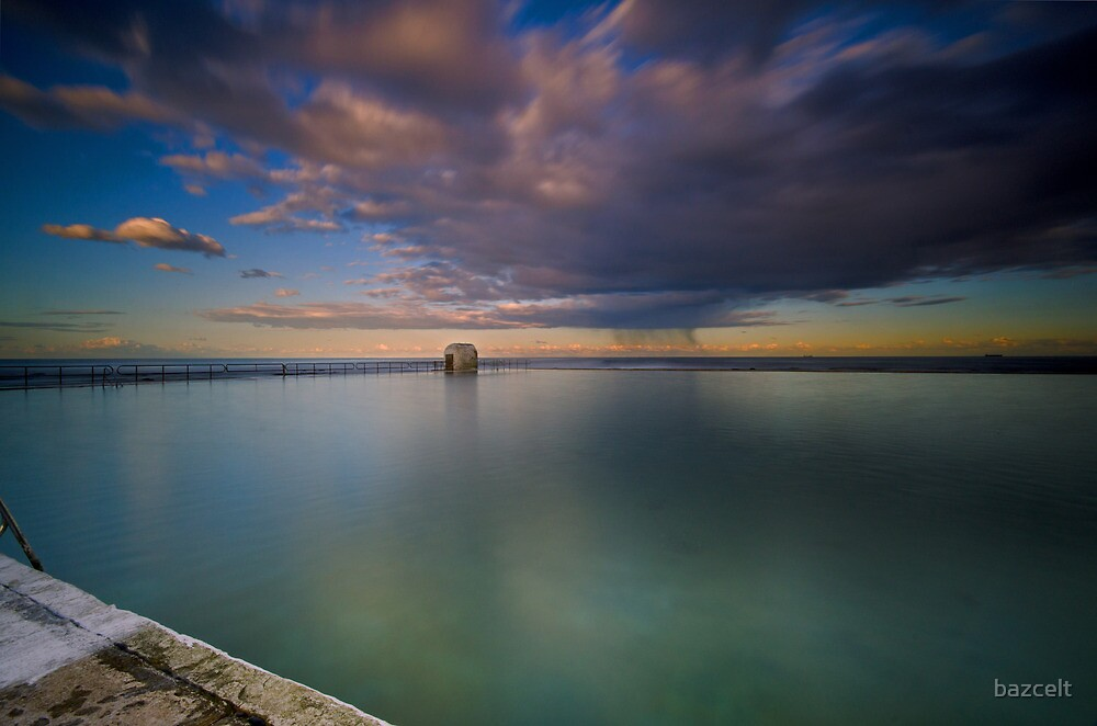 Incoming Storm, Merewether Ocean Baths by bazcelt