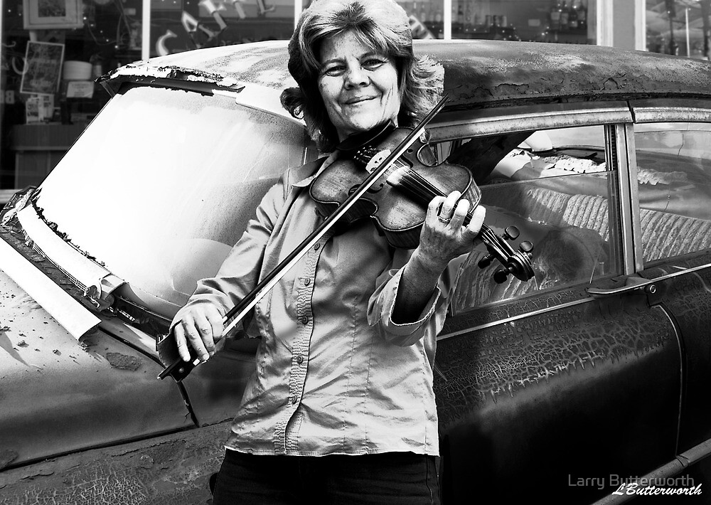 THE FIDDLE PLAYER by Larry Butterworth