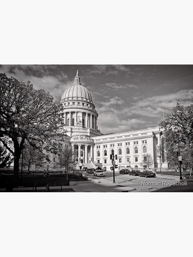 Madison Wisconsin Capitol Building - USA by keystone