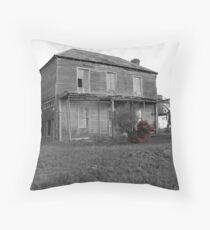 Freemans flowers Throw Pillow