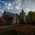 Holy Trinity Anglican Church by Richard Lee