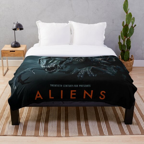 Alien 1979 Movie Art Throw Blanket