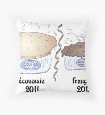Le soufflé de la récession française de 2012 Throw Pillow