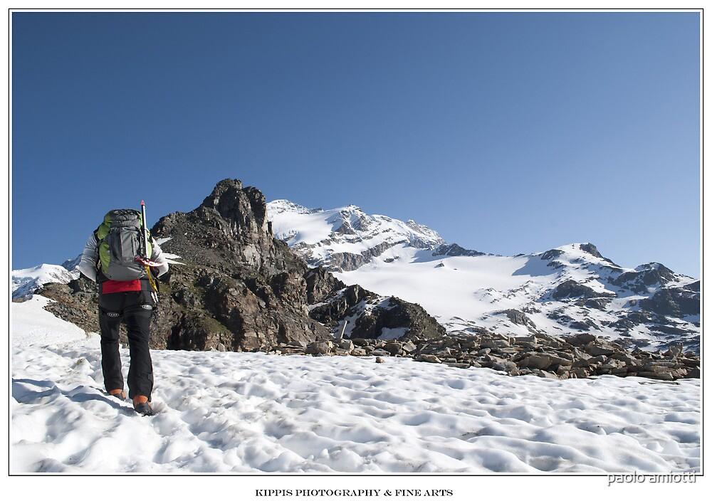 climbing by paolo amiotti
