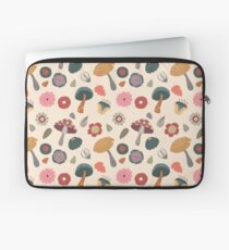 Woodland Floral Seamless Pattern Laptop Sleeve