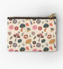 Woodland Floral Seamless Pattern Studio Pouch