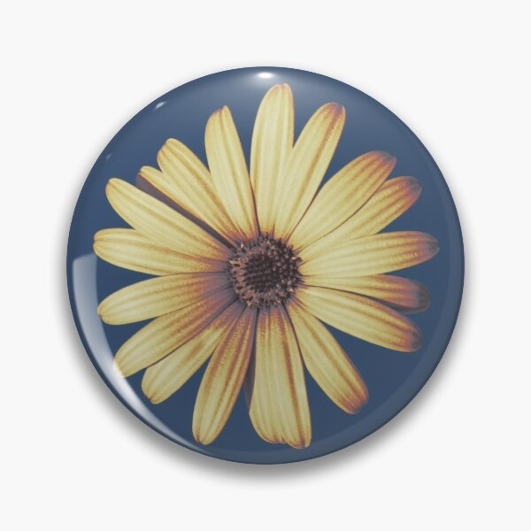Daisy Yellow Pin