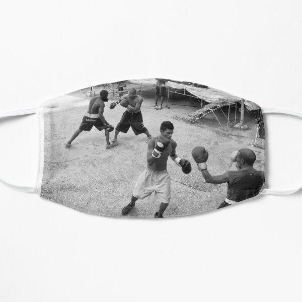 Boxcamp in Havanna, Kuba Flache Maske