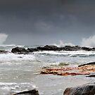 Crashing Surf by bazcelt