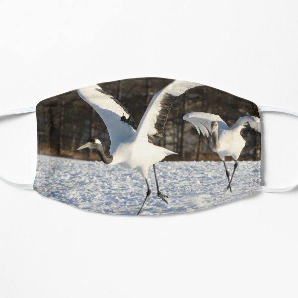 Japanese cranes, adult & young Masque sans plis