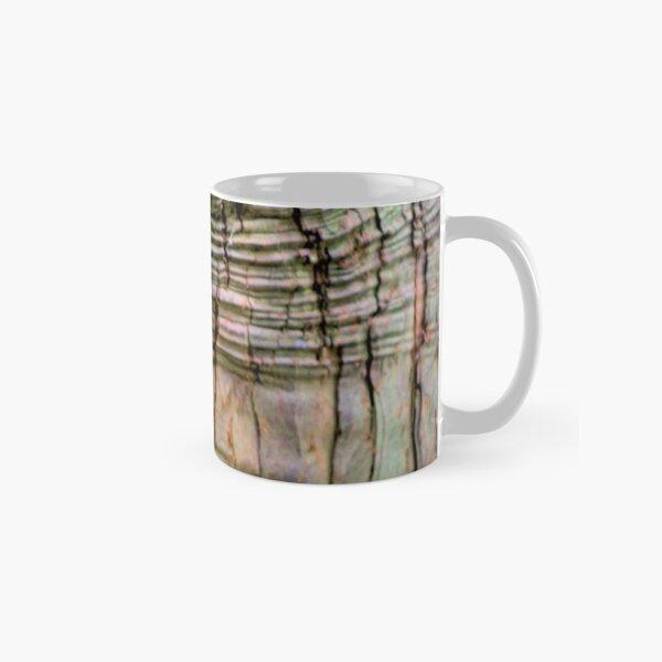 Yew tree bark texture Classic Mug