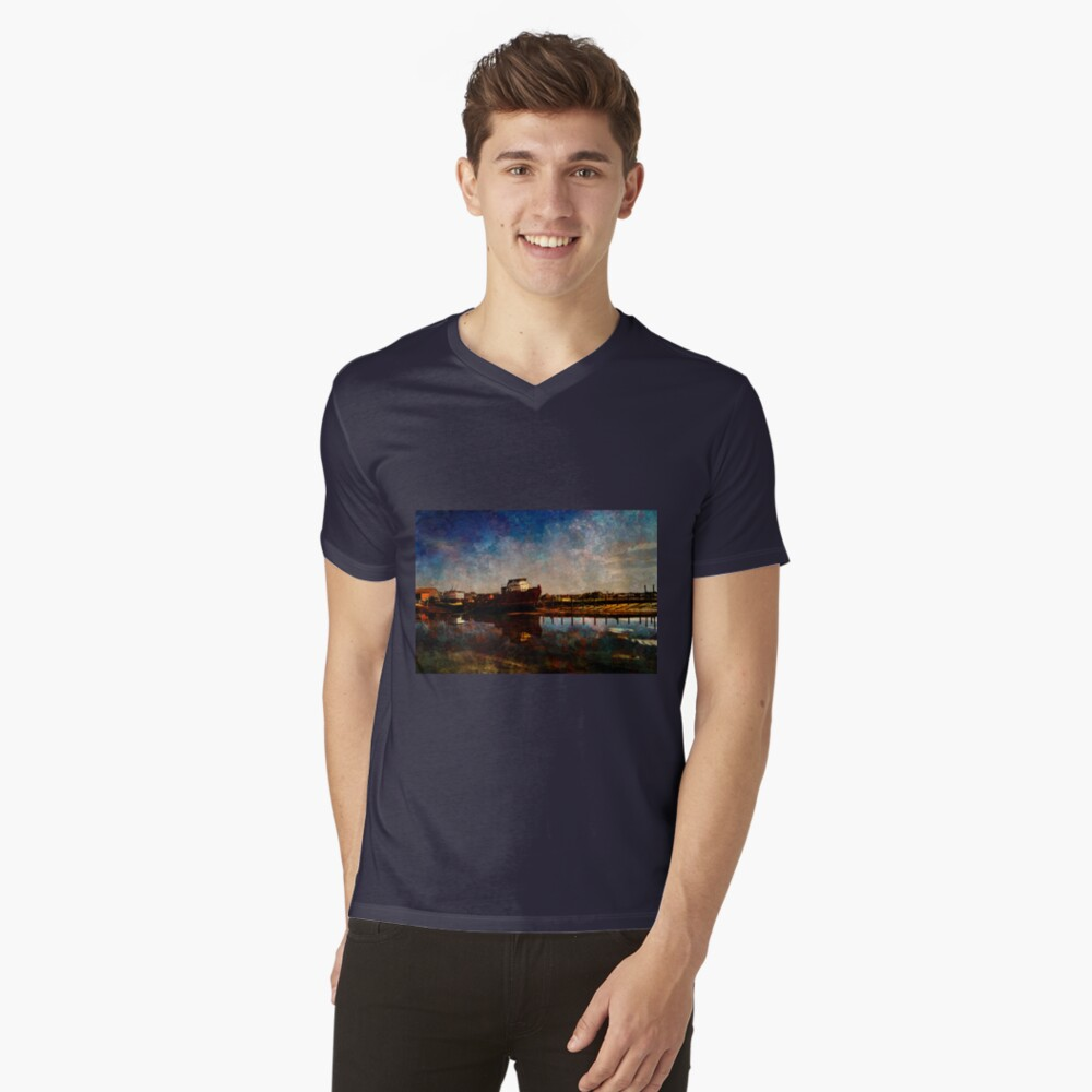 Bridport  V-Neck T-Shirt