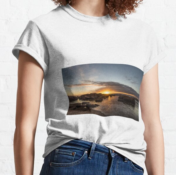 Coles Bay Sunset Classic T-Shirt