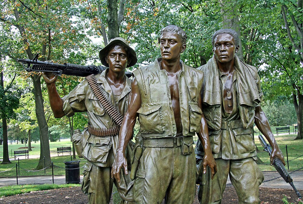 Three Soldiers Statue by Cora Wandel