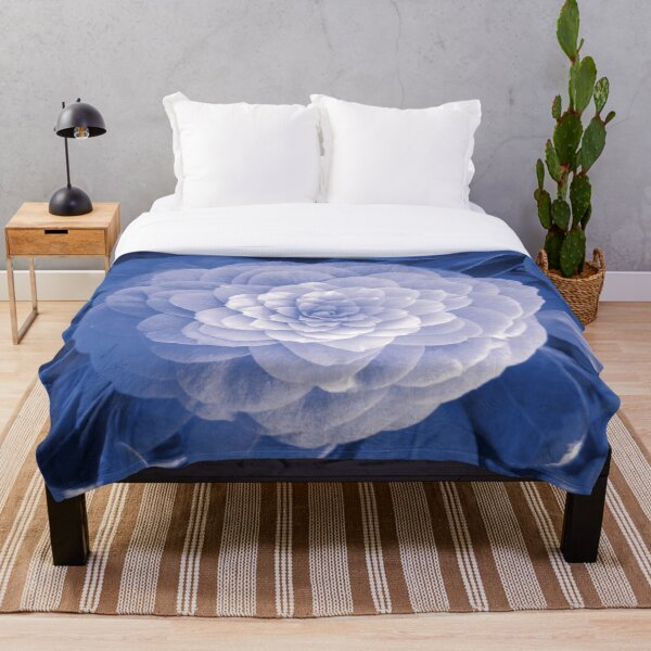 PERFECT PETALS FROZEN IN TIME Throw Blanket