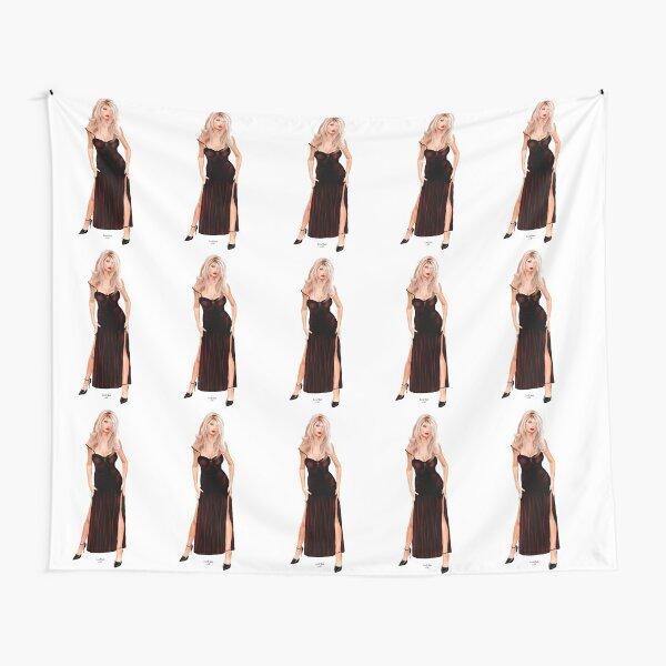 Tasha - Blondine im weinroten Samtkleid Wandbehang
