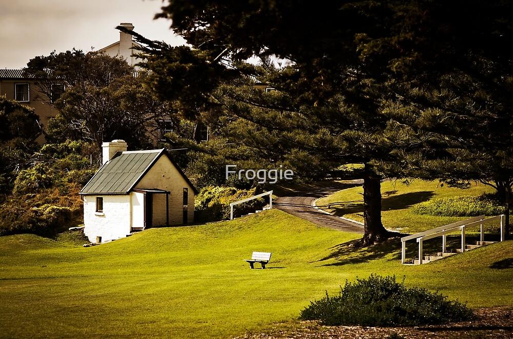 Little Cottage by Froggie