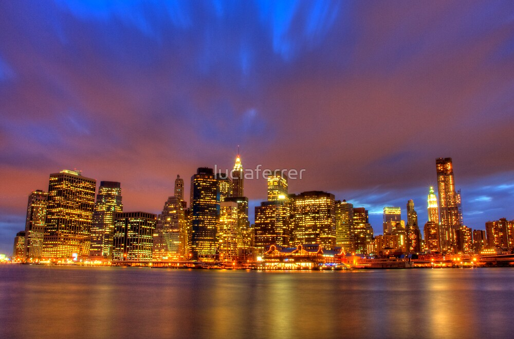 Skyline Night by luciaferrer