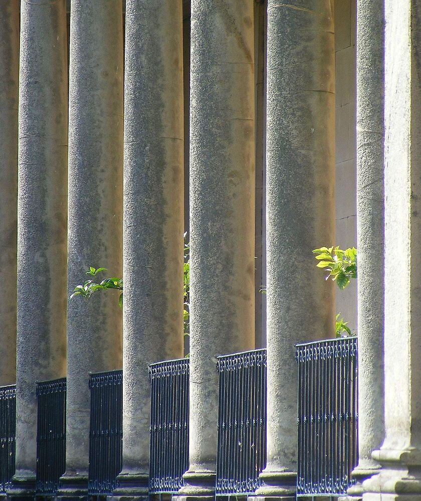 For some reason I love this photo,,,,the pillars and the grates by Dave646