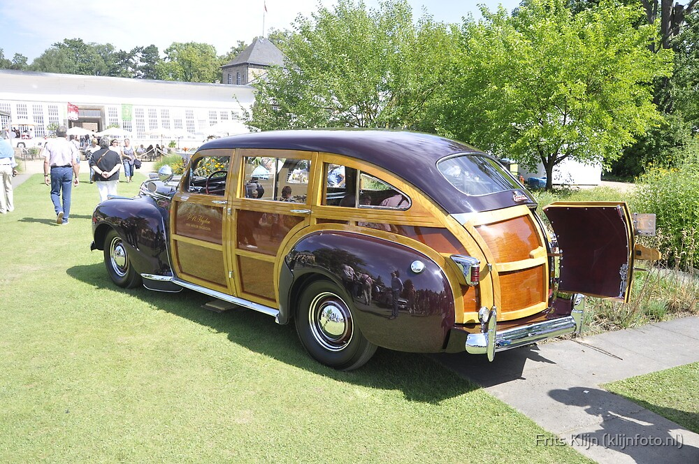 Chrysler Town & Country Barrel-Back Woody (1941) by Frits Klijn (klijnfoto.nl)