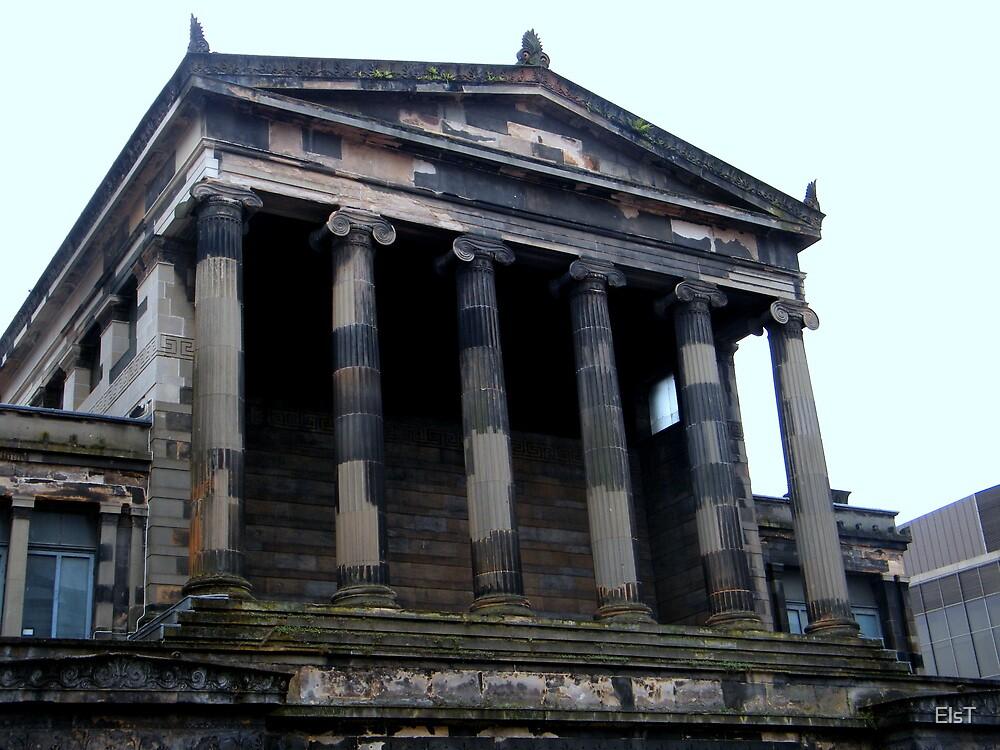 Columns, Glasgow by ElsT