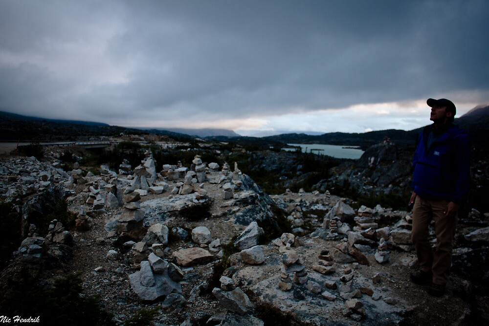 Cairn Field  by nichendrik