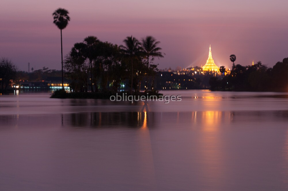 Schwedagon Pagoda by obliqueimages
