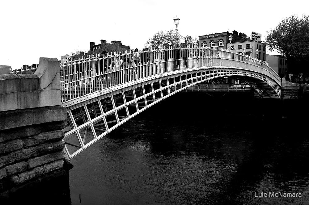 Ha'penny Bridge Dublin by Lyle McNamara