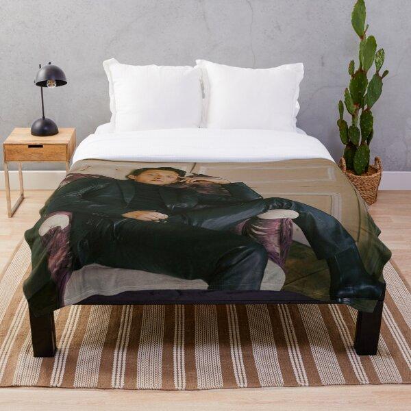 tom holland Throw Blanket