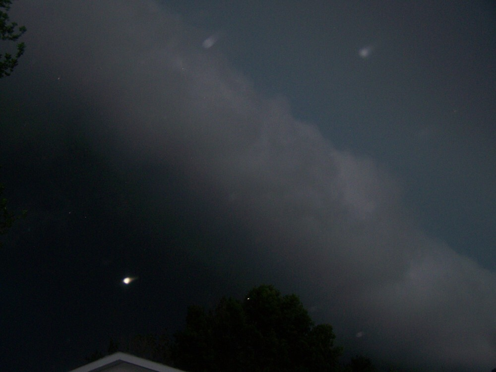 approaching wall clouds by akk96