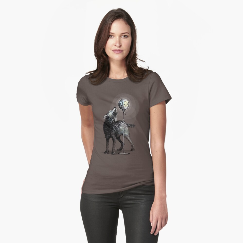 Howling at the moon Womens T-Shirt Front