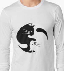 Ying yang cat (white) T-Shirt