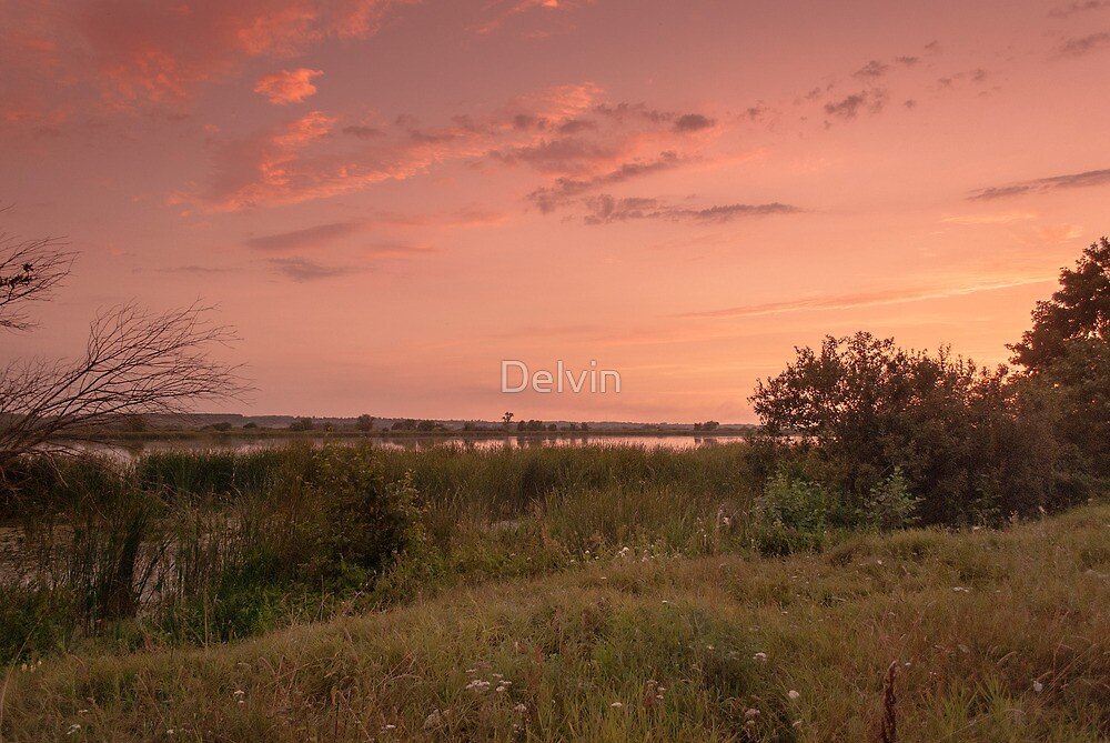 Sunset on the lakeshore by Delvin