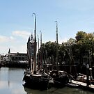 Museum port with view on the zuiderpoort Zierikzee by hanslittel