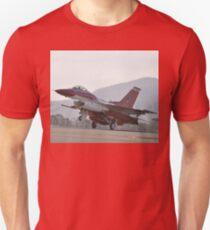 Singapore F16 Landing,Avalon Airshow,Australia 2015 Unisex T-Shirt